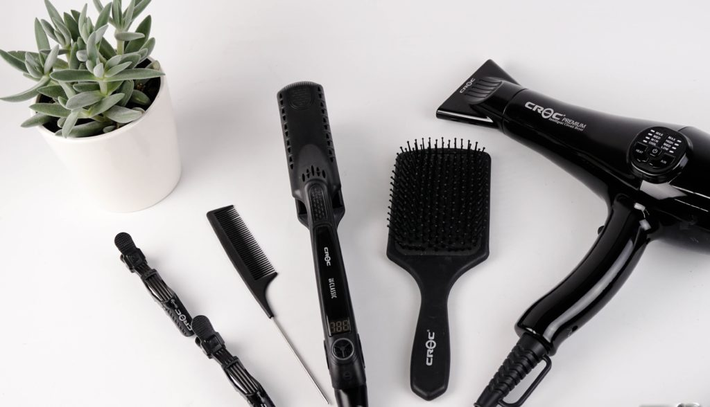 Incorrect usage of tools is among the causes of oily hair