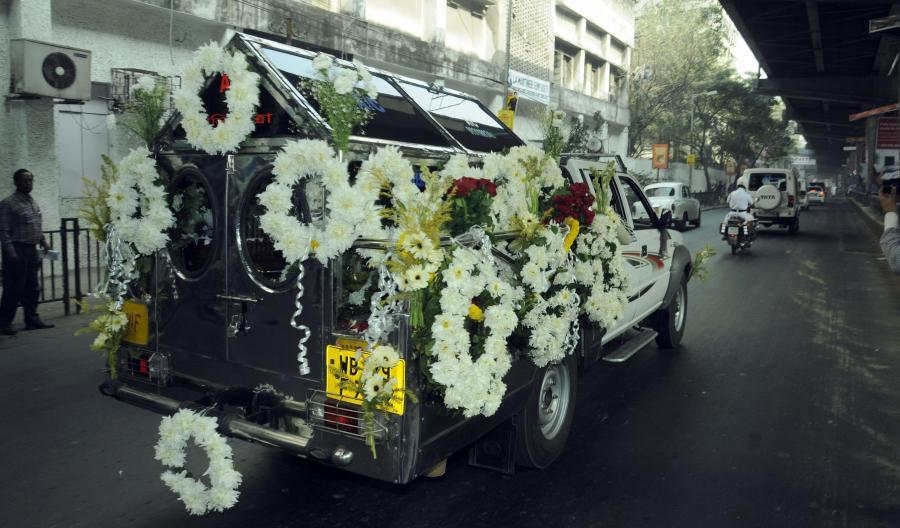 anthyesti funeral car