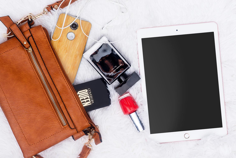 cellphone-bag-sustainable-travel-kit