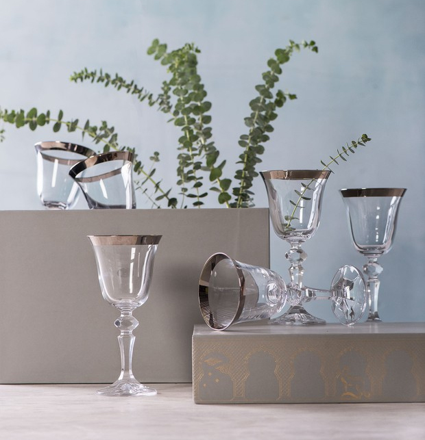 Good Earth Wine Glasses set