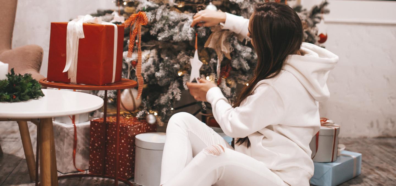 christmas tree gifting