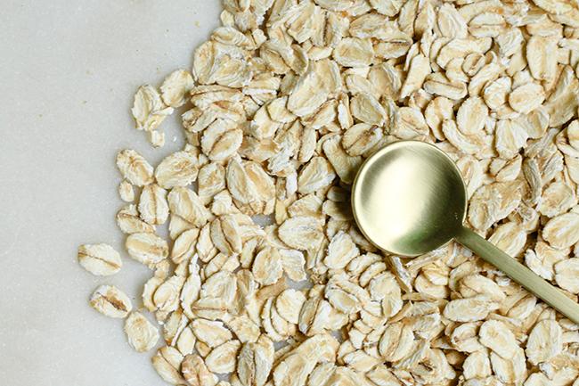 oats oatmeal skincare diys face mask
