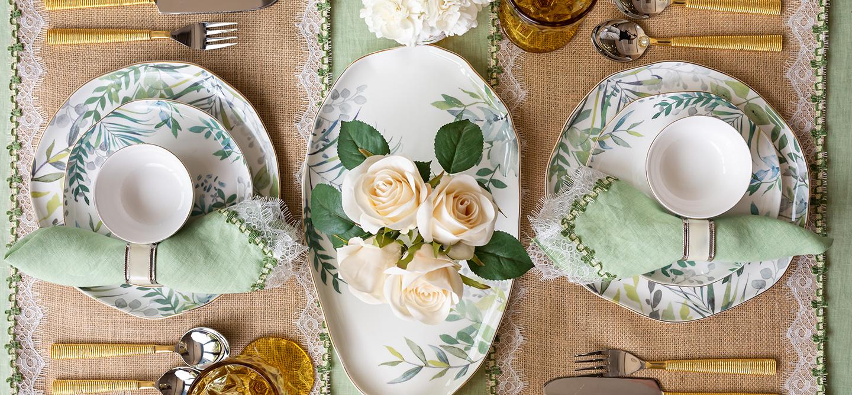 Elvy table setting