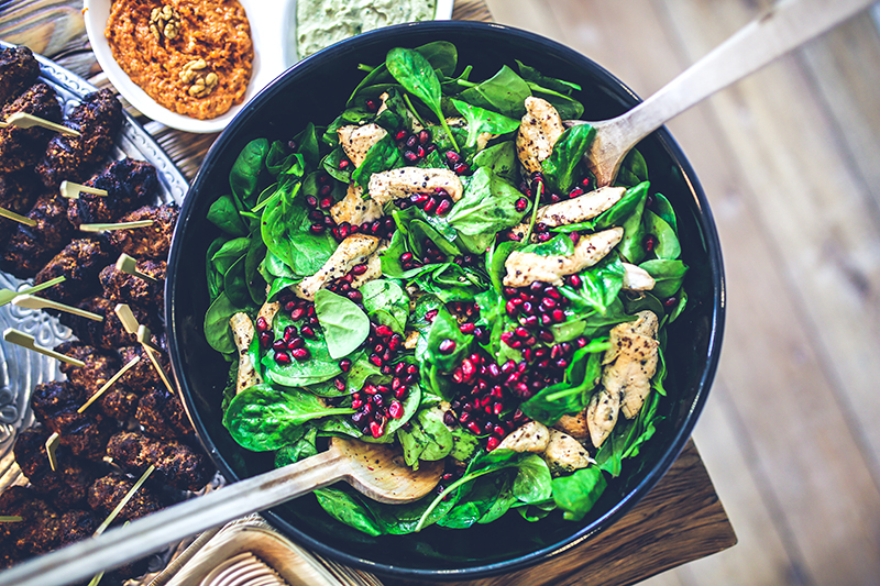 spinach greens minerals food superfoods food for skin and hair