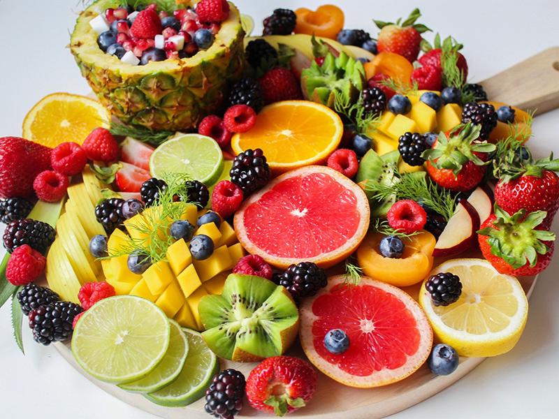 berries fruit antioxidants food for skin and hair health