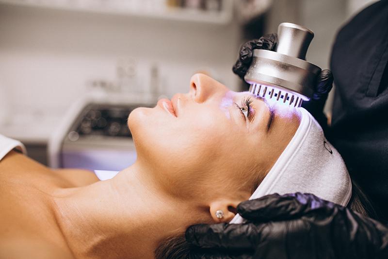 salon spa facial skincare treatment dermatologist procedure led photofacial
